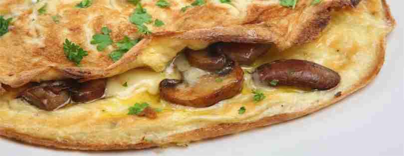 Jantar Low Carb omelete com cogumelo